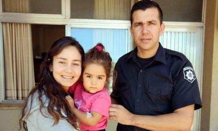Murphy: Un Oficial de Policia le salvó la vida a una nena de 3 años que cayó a una pileta