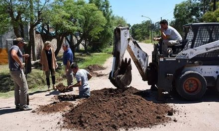 Comenzaron las obras de agua potable en calle Mármol