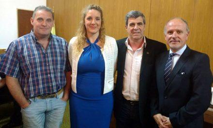 Pieroni acompañando la jura de la concejal electa del Frente Progresista