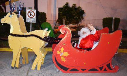 Papá Noel visitó a los chicos del barrio Germán Muñoz