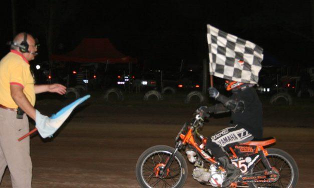 Se corrió la 1er. fecha del nocturno de Motos y Karting