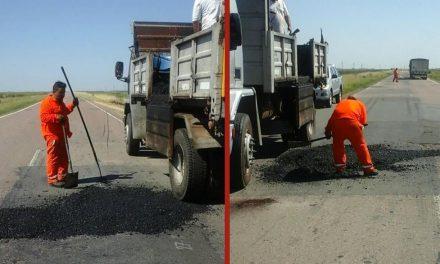 Reparan lo baches en Ruta 33 entre Rufino y Villegas