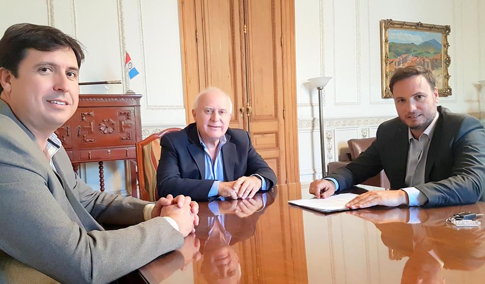 El senador Enrico se reunió con el gobernador para solicitar obras para la región
