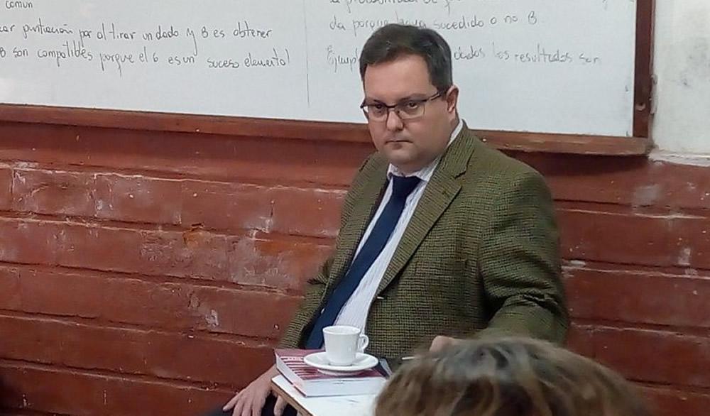 Fiscal Clavero brindó charla sobre los peligros en tiempos de internet