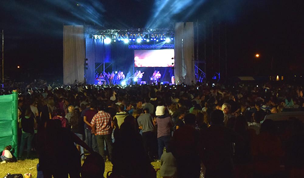 Los Palmeras actuaron en el aniversario de Rufino