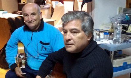 Artistas rufinenses visitaron con su música a pacientes de Diálisis