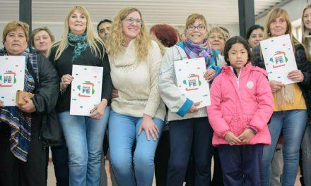 29 Familias ya tienen su escritura en Rufino