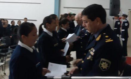 Entrega de diplomas a Oficiales y Suboficiales con funciones en el Departamento