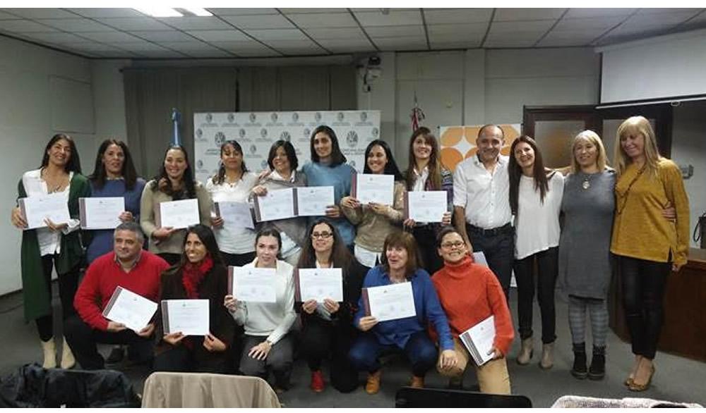 Centro Integral Educativo Trazos: entrega de certificados de la capacitación Diplomatura en Educación
