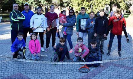 Tenis en plaza Sarmiento