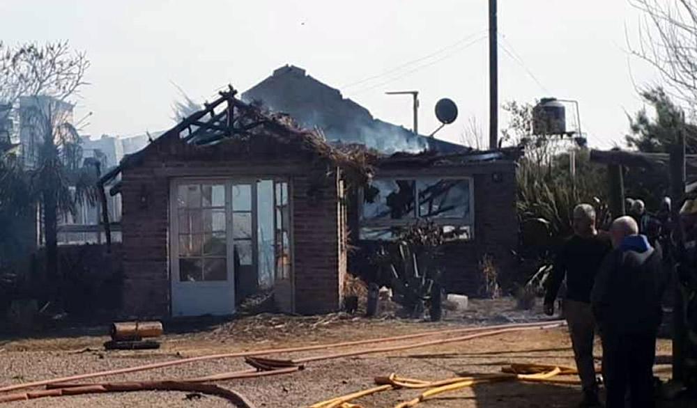 Incendio causó graves destrozos en Parilla Los Abuelos