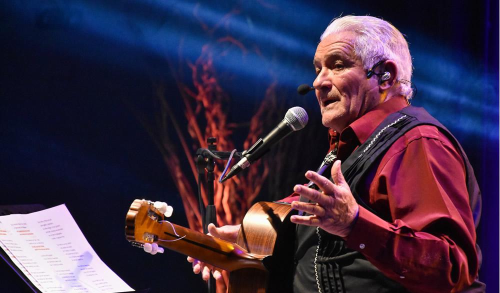 Orlando Vera Cruz celebró sus «75 años de identidad»