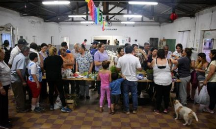 Exitoso intercambio de plantines en el Belgrano