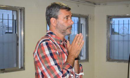 Miguel Bossio presentó su libro «Puro Chamuyo» en el quincho del Club Jorge Newbery