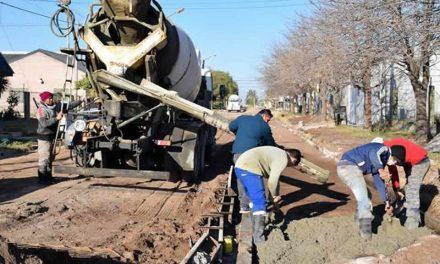Trabajos municipales en calle Centenario