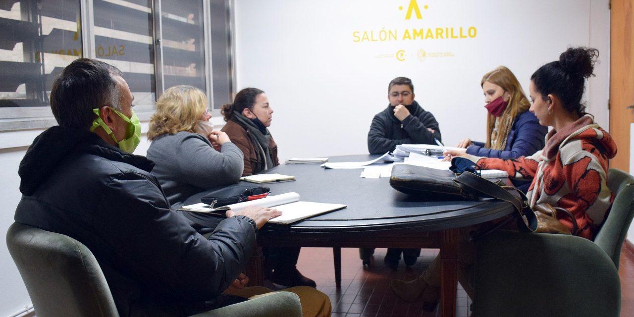 Evalúan las solicitudes enviadas al municipio de Becas estudiantiles