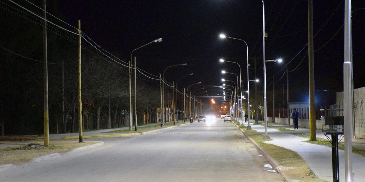 Más luces en calle Lorenzetti
