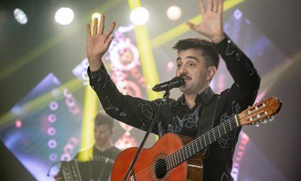 Efraín Colombo estrenó «Me acusan a mí», una chamarra con mirada yupanquiana