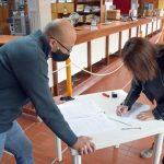Entrega de fondos a escuelas de Rufino