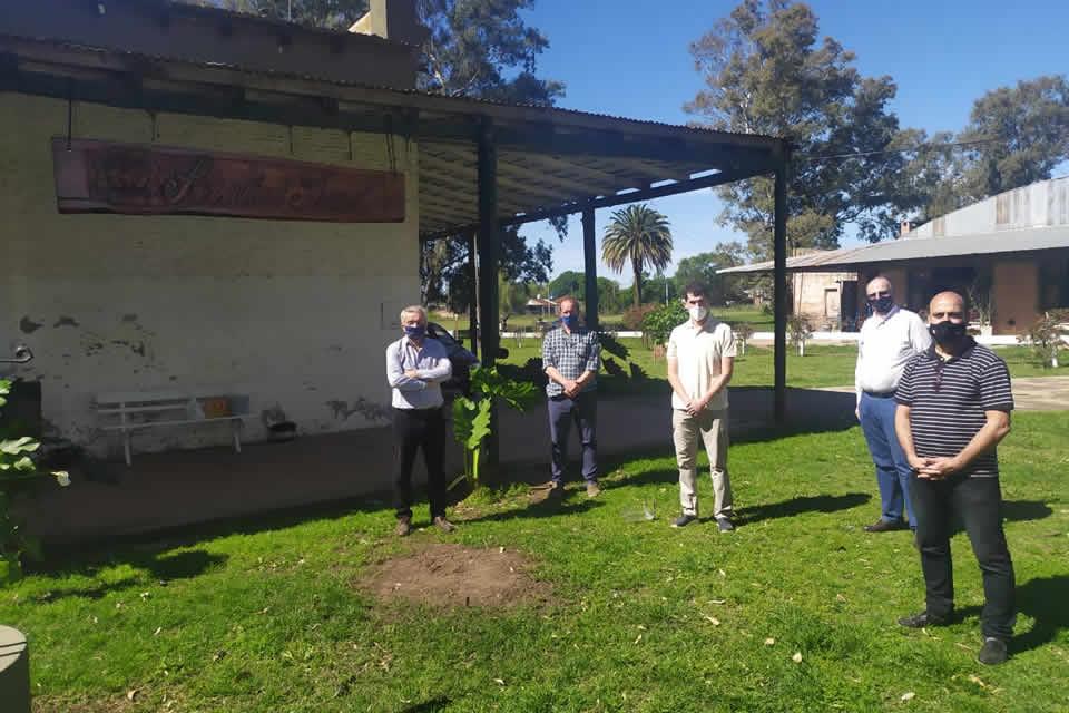 Funcionarios de la provincia junto al concejal Mauro Marcos analizan obras prioritarias hídricas para la zona