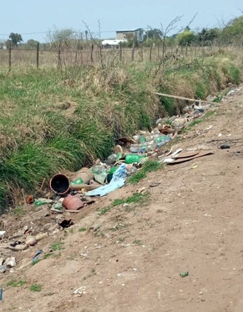 Un Rufino limpio lo hacemos entre todos, vecinos continúan arrojando residuos en cunetas y espacios úblicos
