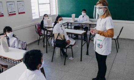 Santa Fe propone iniciar clases el 15 de marzo
