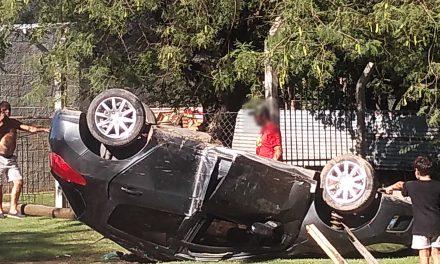Vuelco de automóvil, el conductor con lesiones leves y luego se suicidó