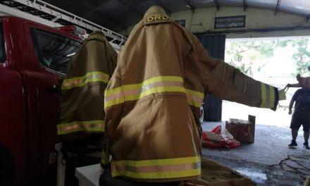 Bomberos de Rufino adquirió trajes estructurales