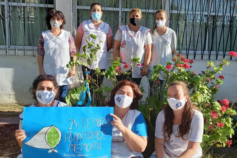 Plantamos Memoria en Escuela Manuel Belgrano