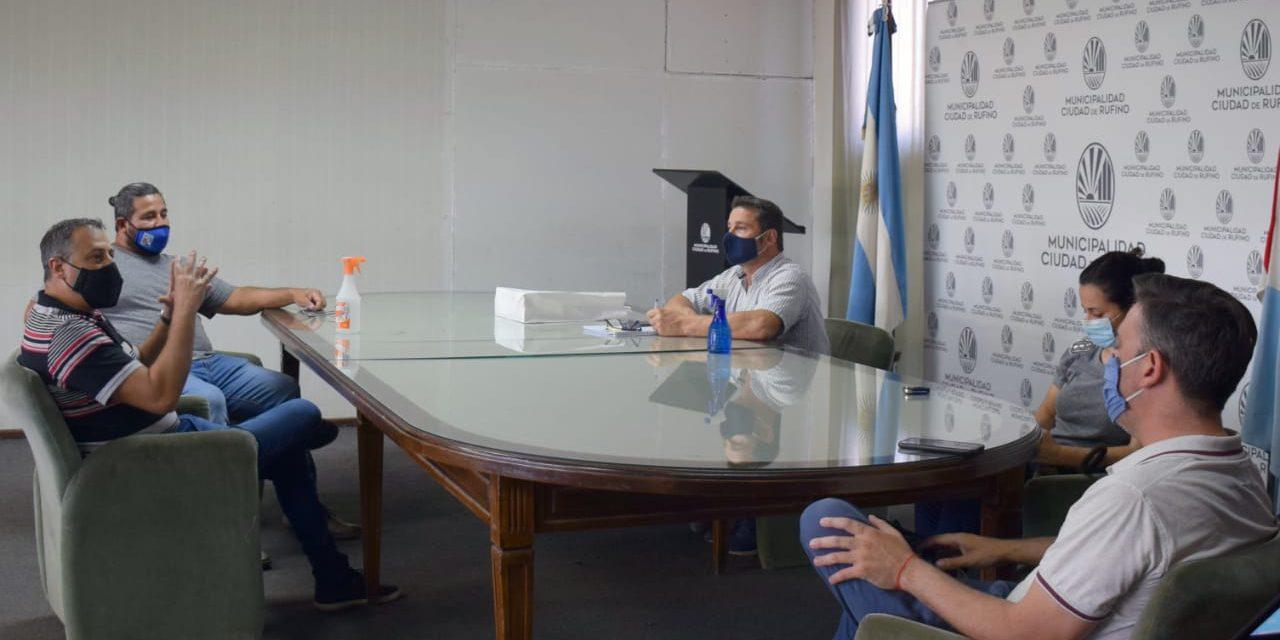 Trabajadores del frigorífico Rigón se reunieron el intendente de Rufino