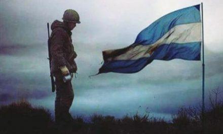 Un emotivo homenaje de León Gieco a los combatientes de Malvinas