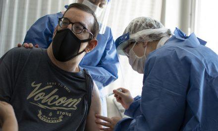 En Santa Fe se vacunaron contra el Covid a más de 16 mil personas con discapacidad