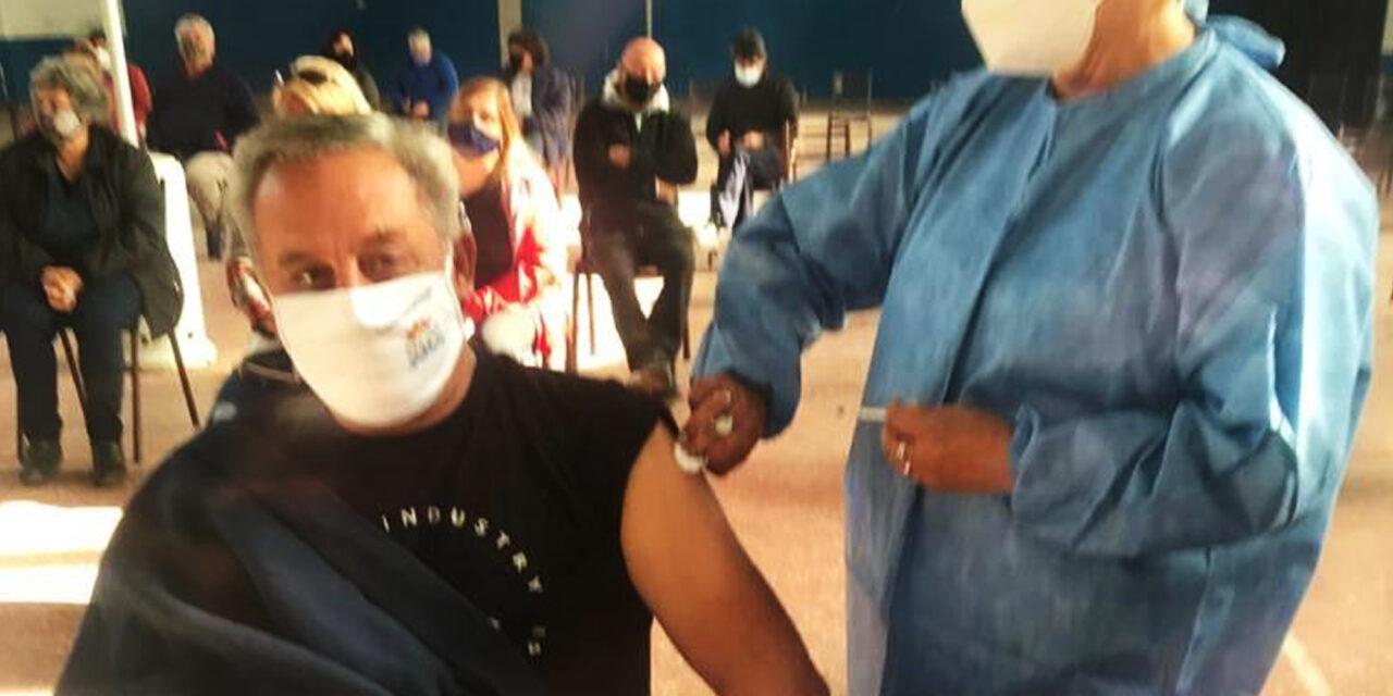 Primer Bombero de nuestra ciudad vacunado por ser considerado personal escencial
