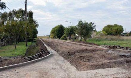 Continúa la construcción de cordón cuneta en Rufino