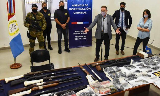 La Agencia de Investigación Criminal desbarató una banda criminal dedicada a la venta de armas en el mercado ilegal