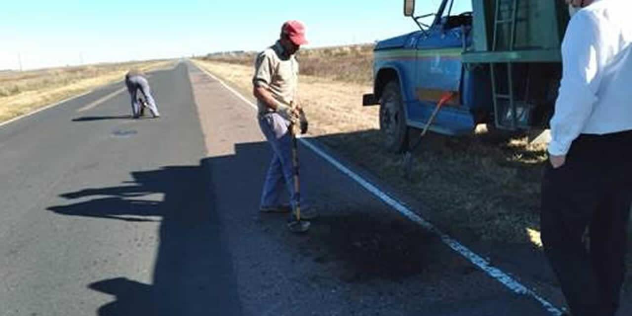 Bacheo en Ruta 33 entre Rufino y Cañada Seca