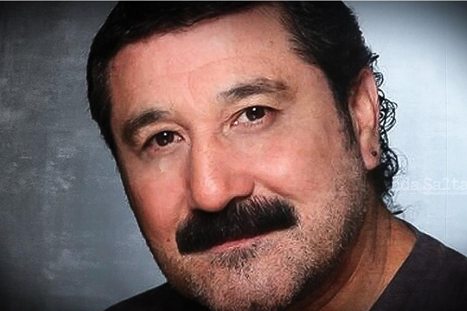 Murió por coronavirus el músico y humorista Carlos Escobar