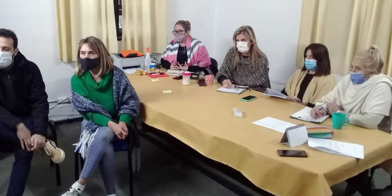 Reunión sobre programa de acogimiento familiar