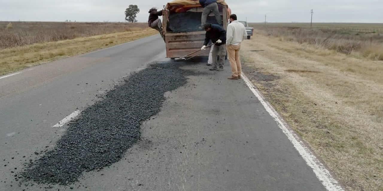 Continúa el bacheo de Ruta 33 entre Rufino y Cañada Seca