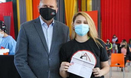 Perotti y Martorano supervisaron el inicio de la vacunación con Pfizer a menores de 17 años sin comorbilidades
