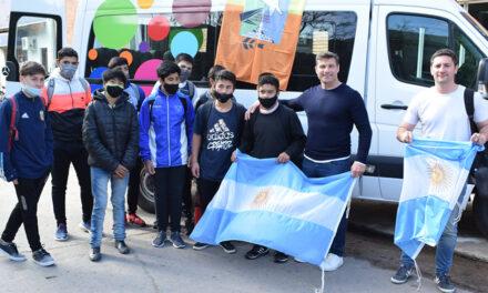 Chicos de Rufino viajaron a Buenos Aires a presenciar el partido de nuestra selección de fútbol